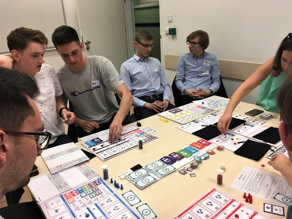 Pracownia Gier The Best-seller game strategic sales game